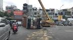 Lật xe container, cửa ngõ Tân Sơn Nhất ùn tắc nghiêm trọng nhiều giờ