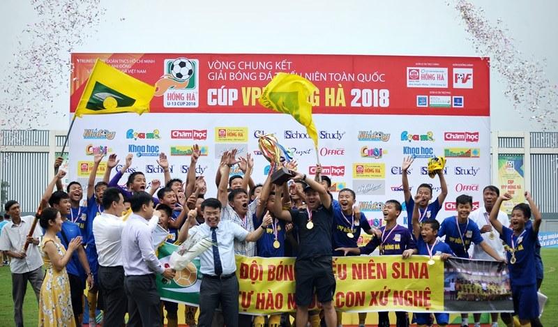 SLNA vô địch giải bóng đá U13 toàn quốc 2018