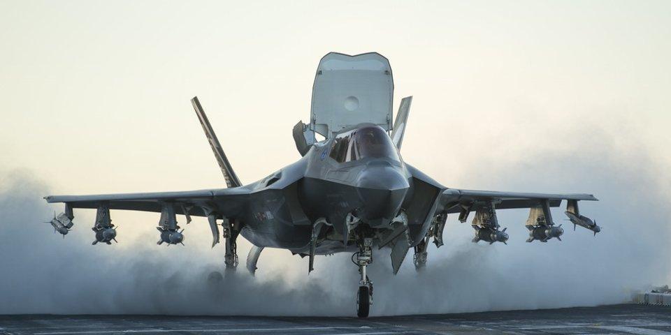 Vì sao Mỹ lặng lẽ điều tàu sân bay chở F-35 tới Thái Bình Dương?