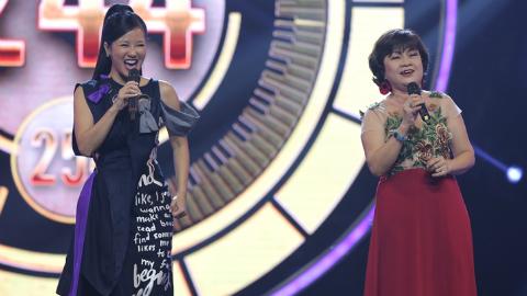 Diva Hồng Nhung lần đầu tiên trở lại sân khấu sau ly hôn