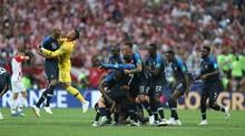 Niềm vui vỡ òa của ĐT Pháp khi hạ Croatia 4-2 ở trận chung kết