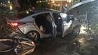 Ô tô 'điên' tông vào quán cà phê, 2 thiếu nữ tử nạn
