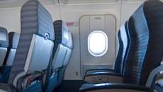 Khách 'táy máy' mở cửa thoát hiểm, chuyến bay chậm hơn 1 tiếng
