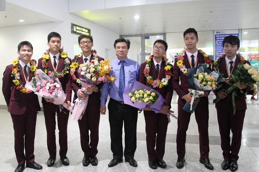 Học sinh giỏi,khen thưởng,chuyên Trần Phú,Kỳ thi quốc tế,Hải Phòng