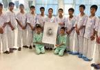 Toàn đội bóng Thái để tang thợ lặn hy sinh