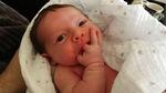 Bé gái 3 tuần tuổi qua đời đột ngột chỉ vì bố mẹ quên không rửa tay