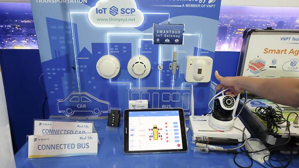 Industry 4.0 Summit 2018,Robot,Smart Home,Trí tuệ nhân tạo,IoT,Vệ tinh,VinFast,Cách mạng công nghiệp 4.0