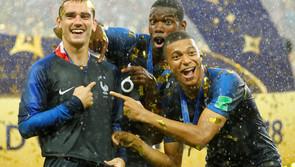 Pháp nhận thưởng kỷ lục, Mbappe ủng hộ hết cho từ thiện