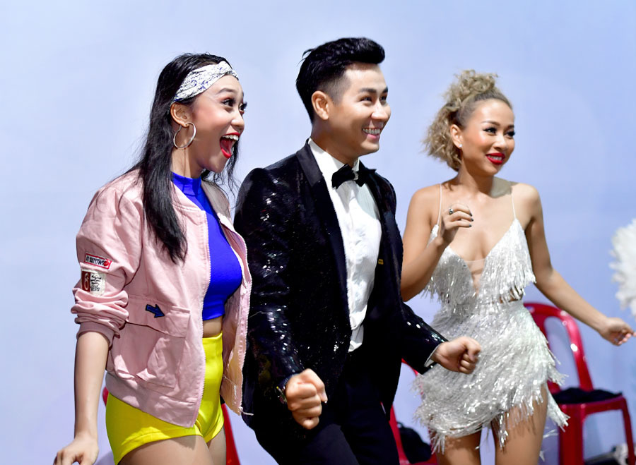 Nguyên Khang, Sơn Tùng khuấy động đêm nhạc mừng chung kết World Cup