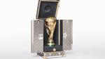 Va li Louis Vuitton đắt giá đựng cúp vàng World Cup