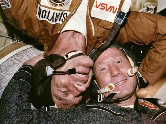 tàu vũ trụ,hội đàm Nga-Mỹ,ngoài không gian,phi hành gia,ngày này năm xưa