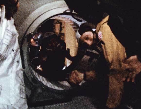 Ngày này năm xưa: Xô - Mỹ 'hội đàm' ngoài trái đất