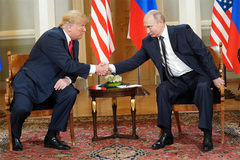 Ông Trump bênh Nga, chúc mừng Tổng thống Putin