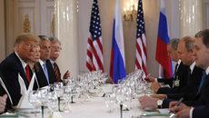 Cận cảnh buổi tiệc trưa Trump-Putin