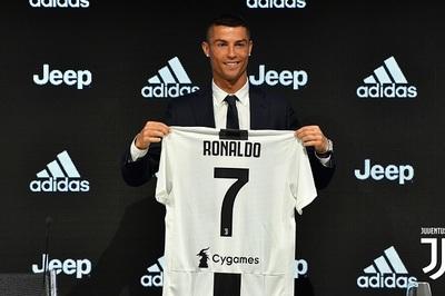 Ronaldo nói điều khó tin trong ngày ra mắt Juventus
