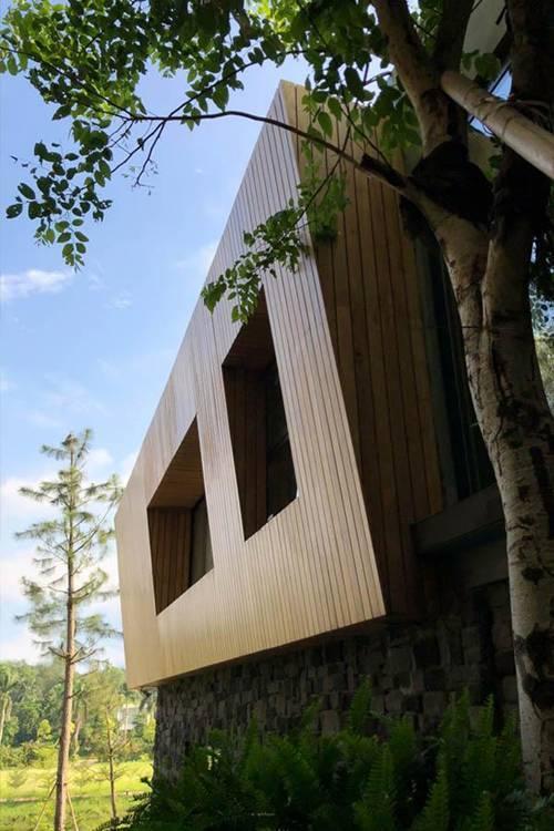 Nằm giữa rừng thông, căn biệt thự Vĩnh Phúc khiến người ta muốn bỏ ngay nhà phố để về rừng