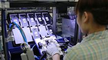 Tăng trưởng phụ thuộc Samsung: Doanh nghiệp lớn có quyền mặc cả?