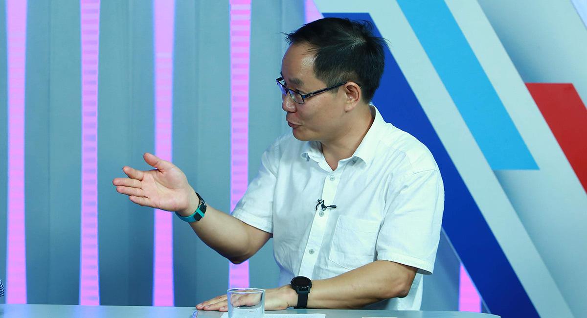Hai 'ông to' đánh nhau: Việt Nam mua rẻ bán đắt