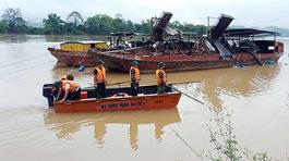 Hai vợ chồng đánh cá mất tích trên sông Lam