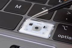 MacBook Pro 2018 sẽ không cho phép thay bàn phím