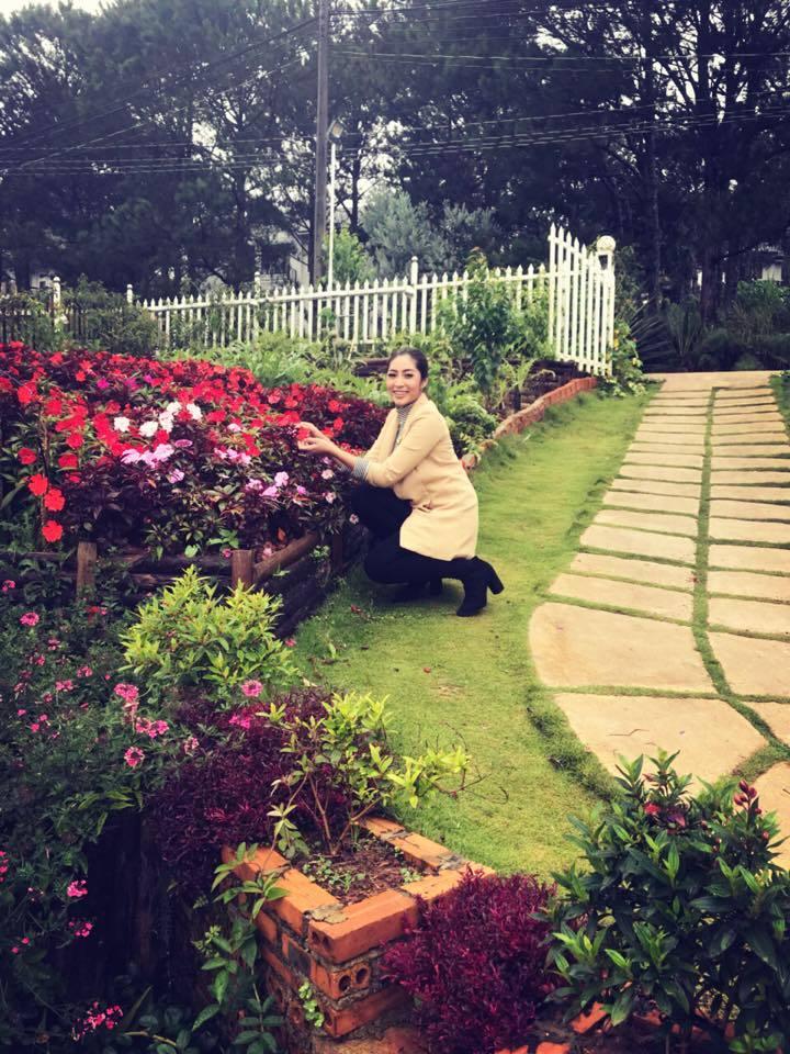 Đặng Thu Thảo hạnh phúc đi du lịch cùng chồng sắp cưới