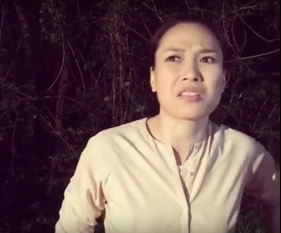 Fan phấn khích xem Mỹ Tâm bĩu môi chê ê-kíp 'bị khùng'