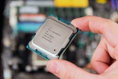 Chip Intel 8 nhân thế hệ 9 mới nhất sắp ra mắt