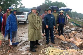 Bí thư huyện trần tình họp trước bão bị Chủ tịch tỉnh phê bình