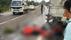 Xe máy tông vào đuôi ô tô tải, cặp đôi tử vong tức tưởi