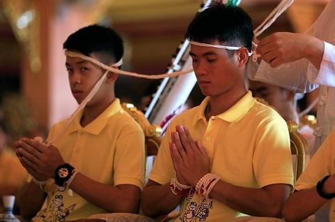 đội bóng Thái Lan,đội bóng thiếu niên,xuất viện,họp báo