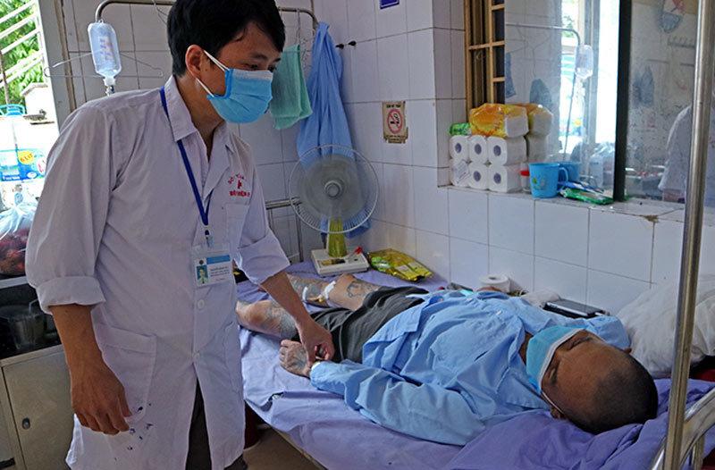 Nghề đặc biệt ở bệnh viện 09: Bệnh nhân kiếm tiền triệu mỗi ngày