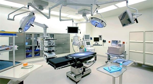 Mỗi năm mua sắm hàng tỷ USD thiết bị y tế