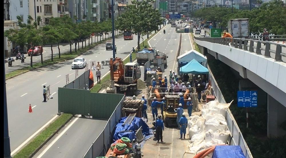 Sụt lún nghiêm trọng đại lộ ở Sài Gòn, giao thông bị phong tỏa nhiều giờ