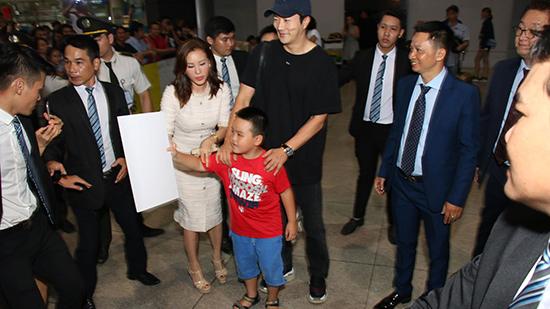 Kwon Sang Woo giao lưu với fan