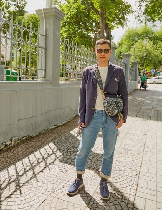 Tín đồ thời trang mê mẩn chiếc túi yên ngựa của Dior