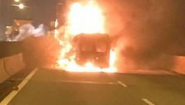 Tông xe container, xe khách bốc cháy trên cao tốc Long Thành, 2 người chết