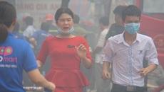 Cháy lớn sát siêu thị Coopmart ở Sài Gòn, hàng trăm người tháo chạy