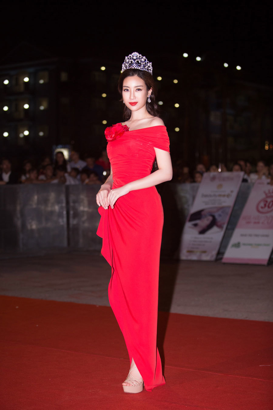 Ngắm nhan sắc của Hoa hậu Ngọc Khánh sau 20 năm đăng quang