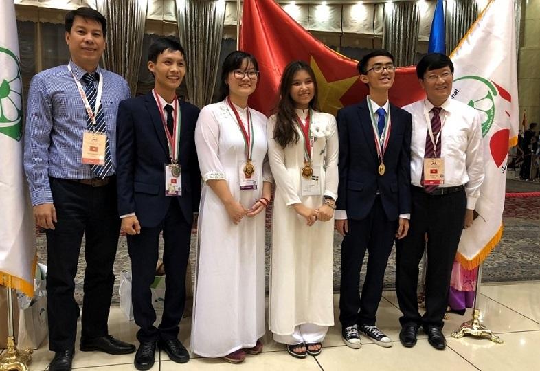 Nữ sinh đạt điểm thi Olympic cao nhất thế giới: 'Thiên nhiên vô cùng thú vị'
