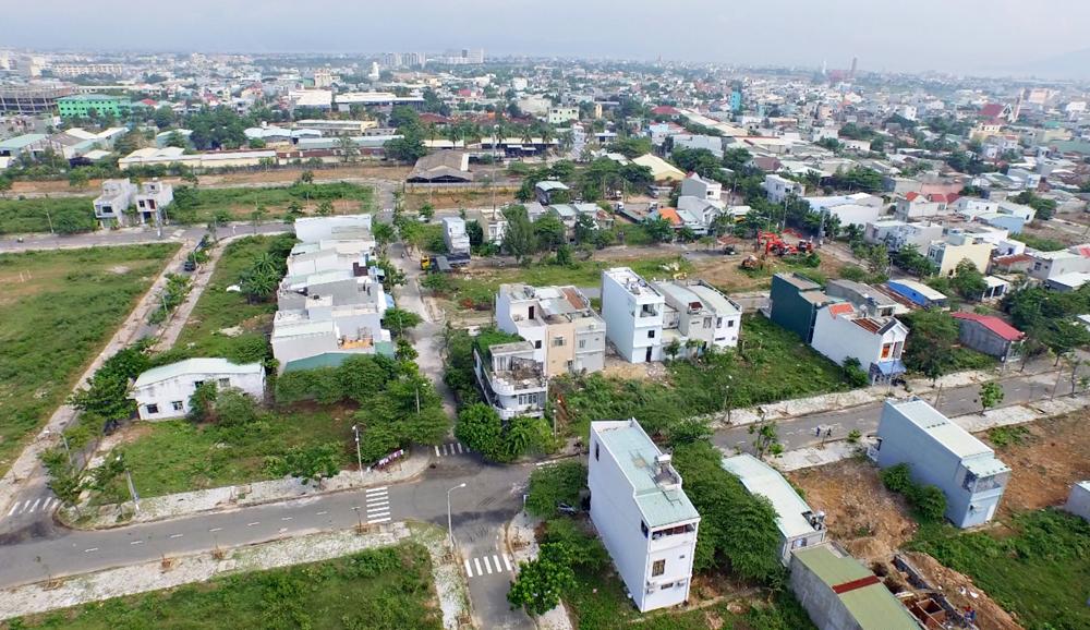 Có 800 triệu, ôm nợ thì mua chung cư, tính lâu dài cứ mua đất