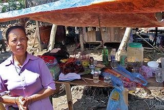 Yên Bái: Người phụ nữ lập bàn thờ nhưng vẫn chờ chồng