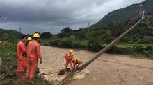 Mưa lớn, ngập lụt gây thiệt hại lớn hệ thống lưới điện