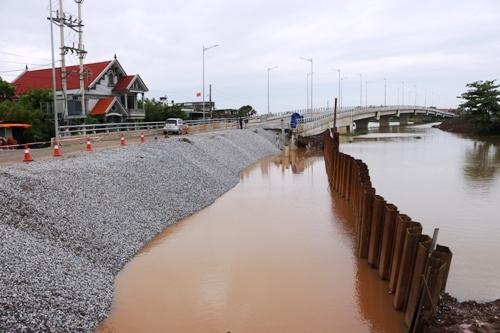 Hải Phòng: Đường dẫn cầu mới khánh thành đã 'há miệng'