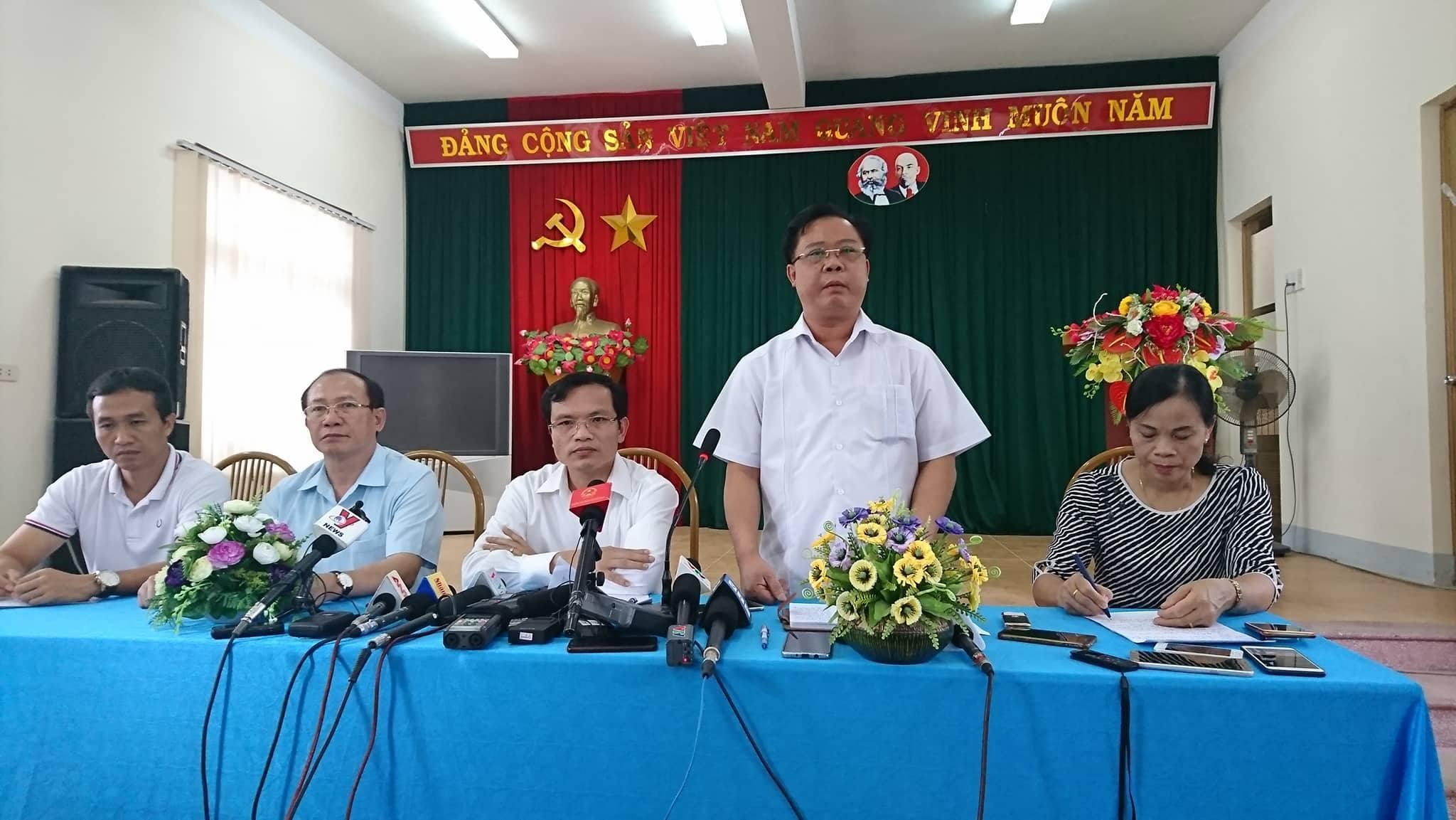 Phó Giám đốc và 4 cán bộ tham gia sửa điểm ở Sơn La