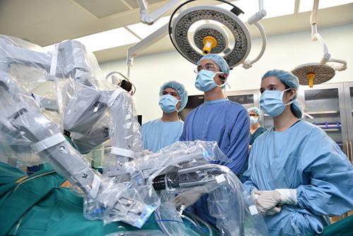 Bệnh viện tư đầu tiên ứng dụng robot phẫu thuật