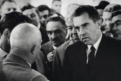 Ngày này năm xưa: Cuộc tranh luận nảy lửa Xô-Mỹ