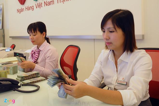 Cuộc đua thu nhập hàng chục triệu mỗi tháng của nhân viên ngân hàng