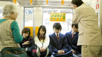 Vì sao người già ở Nhật không được nhường ghế trên tàu điện ngầm?