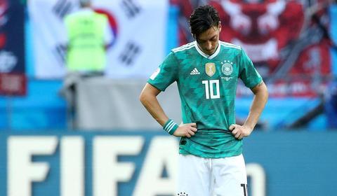 Mesut Ozil rời tuyển Đức: Lời oán trách của tình yêu