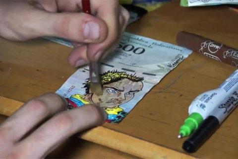 Đồng tiền Venezuela mất giá